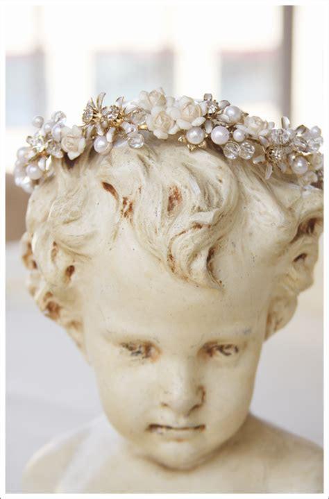 Cherub Angel Statue with Crown