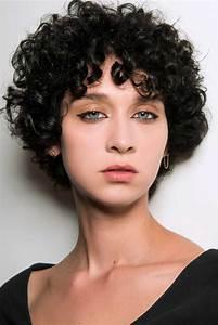 Coupe Courte Cheveux Bouclés : coupe courte boucl e automne hiver 2018 les plus belles ~ Melissatoandfro.com Idées de Décoration