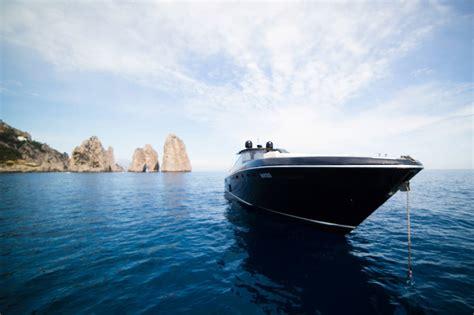 yacht  lusso   ed escursioni  capri luxury boats