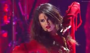 "Selena Gomez's Sexy MTV Movie Awards Performance Of ""Come ..."
