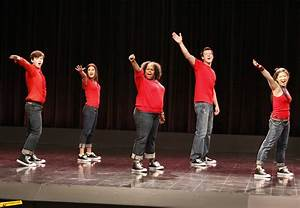Track-by-track review of Glee: The Music, Volume 1 ...