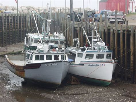Lobster Boat Builders Pei by Understatement Of The Year Re Beaching A Boat