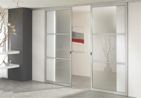 porte coulissante interieur cloison la cloison coulissante ou l de cr 233 er une nouvelle ambiance tendances dressings et placard