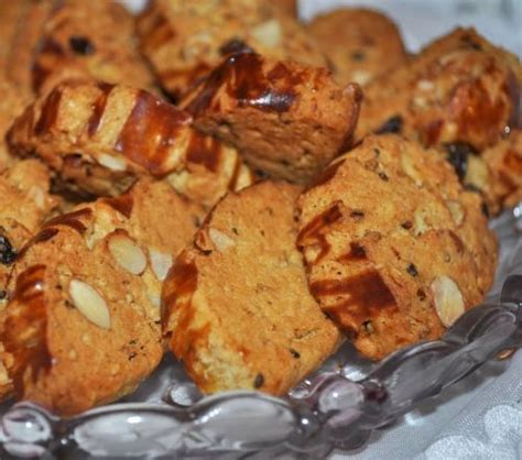 cuisine marocaine choumicha fekkas aux amandes choumicha cuisine marocaine