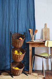Meuble De Rangement Avec Panier : petit meuble de rangement petit meuble de rangement avec trois paniers osier ~ Teatrodelosmanantiales.com Idées de Décoration