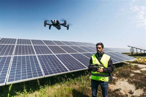parrots anafi thermal    drone  rescuers architects   energy industry