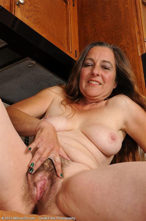 Mature Mommy Nicola Flick Her Hairy Miffy Milf Fox