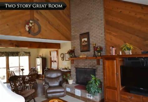 diagonal wood paneling    living room