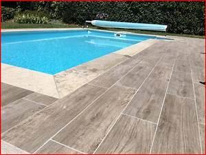 Carrelage Immitation Bois : terrasse piscine carrelage imitation bois ~ Nature-et-papiers.com Idées de Décoration