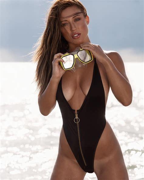 Stefanie Knight Wild Bikini Wheat Skin Picture and Photo ...