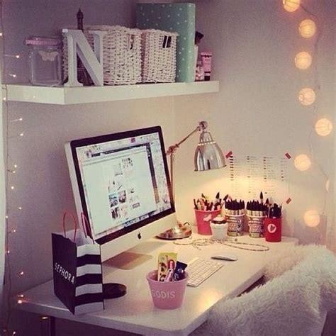 cute desks for bedrooms cute desk area apartment pinterest bedroom ideas