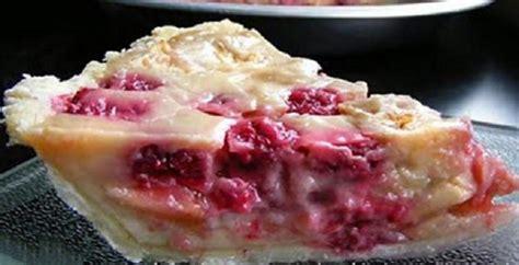 voici comment faire une tarte aux pommes et aux framboises un dessert divin