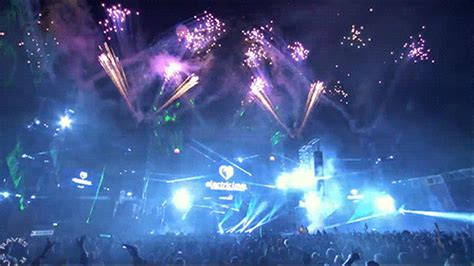 Bionix Animated Desktop Wallpaper - concert animated gif images at best animations