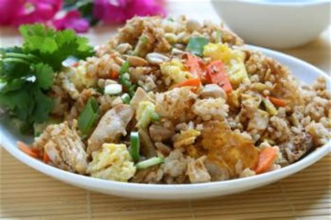 cuisiner le vrai riz frit chinois riz frit aux crevettes khao pad koong recettes de