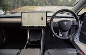 2019 Tesla Model 3 Performance review (video) | PerformanceDrive