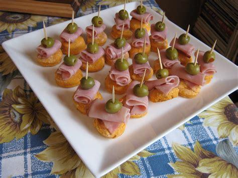 canapé recette facile les douceurs de genny canapés jambon olive sur petit biscuit