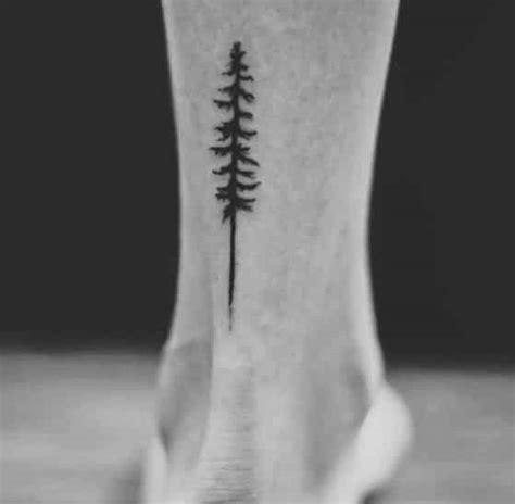 +50 Tatuajes en el tobillo y tobilleras para hombres y mujeres