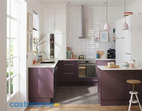 cuisine blanc et violet conseils et astuces pour décorer une cuisine tendance