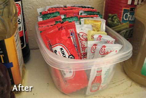 organize  condiment packets