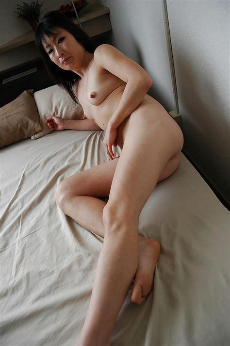 Asian Lady Harue Nomura Undressing And Exposing Her Juicy