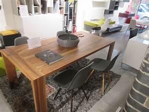 Table Ligne Roset : eaton dining table by ligne roset clearance urbanlux ~ Melissatoandfro.com Idées de Décoration