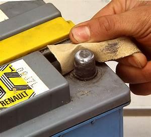 Comment Nettoyer L Intérieur D Une Voiture : nettoyer cosse batterie voiture ~ Gottalentnigeria.com Avis de Voitures