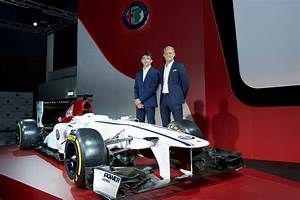 Presentation F1 2018 : alfa romeo sauber f1 officially launches with new livery driver lineup carscoops ~ Medecine-chirurgie-esthetiques.com Avis de Voitures