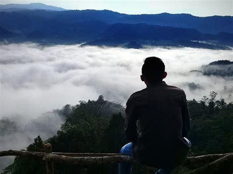gunung luhur  lima wisata negeri  atas awan tagar