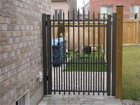 Fence - Gate : Aluminum Fence Gates