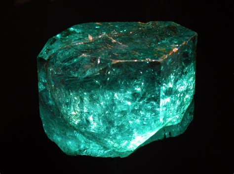 emerald meanings  properties guide   care