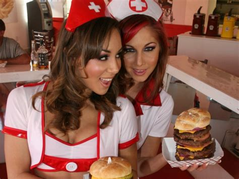 heart of vegas fan page heart attack grill el restaurante más insano del mundo