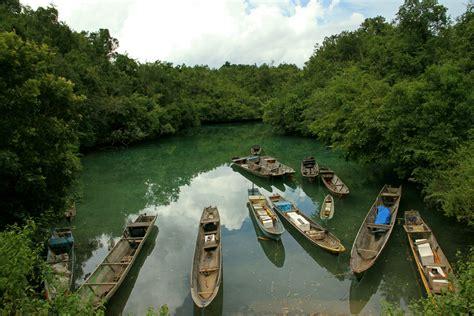 danau napabale keindahan dua wisata sekaligus  sulawesi