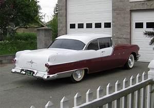 1955 Pontiac Star Chief - Information And Photos