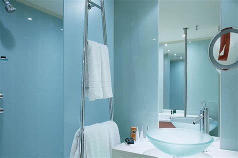 Best Colors For Bathroom Paint by Painting Le Meridien Vienna Bathroom With The Best Paint