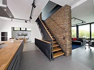 Gestaltung Treppenhaus Bilder : einl ufige treppe google suche leudelange treppen ~ Lizthompson.info Haus und Dekorationen