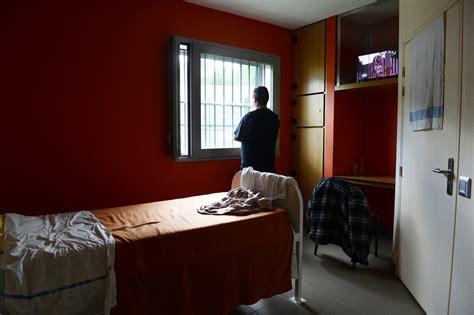 chambre isolement en psychiatrie des mesures pour encadrer la contention dans les hôpitaux
