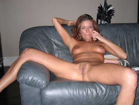 Redhead Milf Real Mom With Her Naked Photos Online