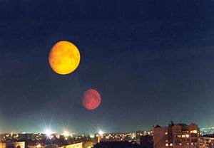 Two Moons on August 27? - Urban Legends