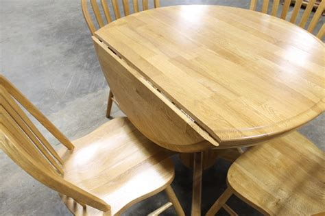Round Wooden Drop Leaf Kitchen Table With (4)