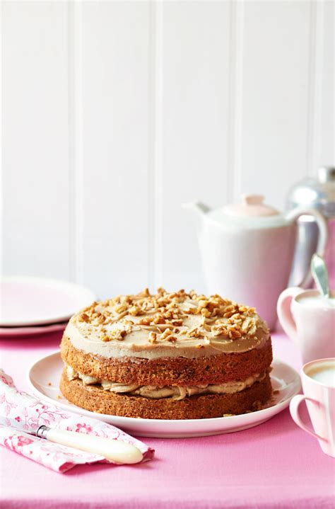Sieve the dry ingredients and fold in very gently trying to keep in as much of the air as possible. Coffee and walnut cake | Coffee and walnut cake, Classic cake, Cupcake cakes