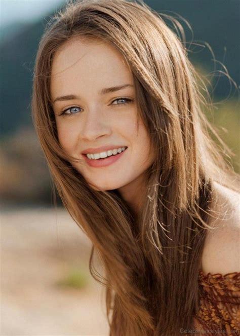 52 Alexis Bledel Cute Hairstyles