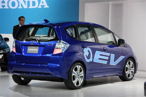 La 2018 Honda Fit Ev Concept Photo Gallery Autoblog