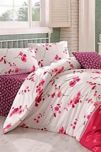 parures de lit originales decoration facile pour la With affiche chambre bébé avec couette fleur