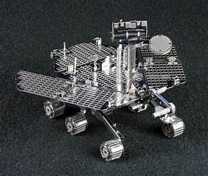 Metal Earth ~1/17 Mars Rover Build Image 02