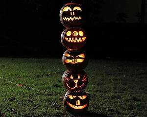 How to Make a Pumpkin Totem Pole For Halloween how-tos DIY