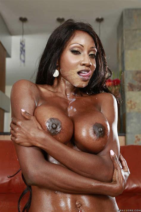 Ebony Hottie Diamond Jackson Gulping Down A White Cock Milf Fox