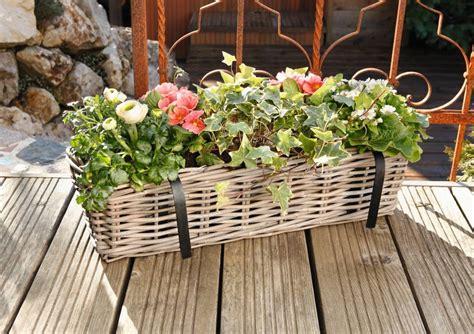 balkon rattan möbel balkon pflanzkorb rattan wohnambiente shop