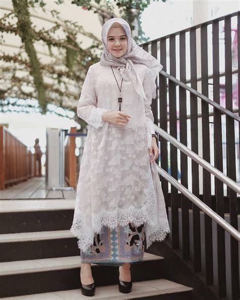 pin  nuna jafrie  kebaya   mode hijab caftan robe simple