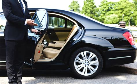Driver Services by Worry Free Limo And Car Service To Newark Airport