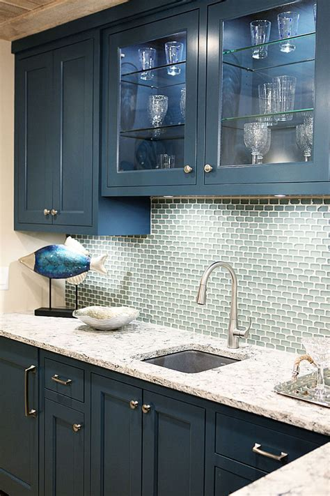kitchen cabinets colors to paint before and after kitchen makeover ideas bm hale navy 8010
